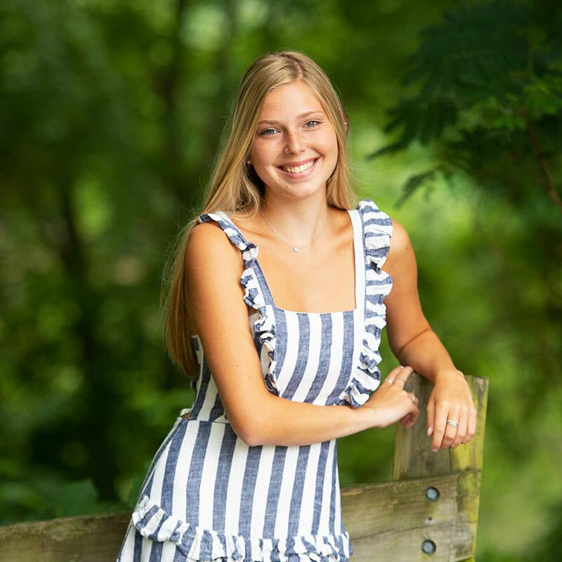 High School Senior Photography   Ava